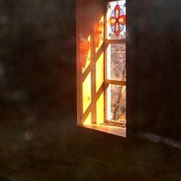 vitráž kaple Železná